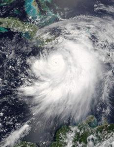 ハリケーンの衛星写真(Hurricane Dennis)