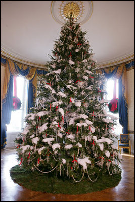 2006_Blue_Room_Christmas_tree